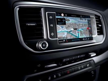 PEUGEOT Traveller – Idealer Reise-Van – TomTom® Echtzeit 3D-Navigation