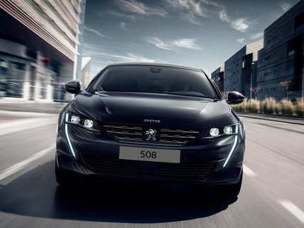 Neue-PEUGEOT-508-Coupé-Limousine-mit-innovativen-Technologien