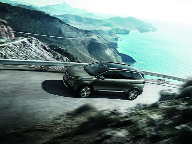 PEUGEOT-5008-Family-SUV-GT-Aussendesign-Kraftvolle-Ausstrahlung