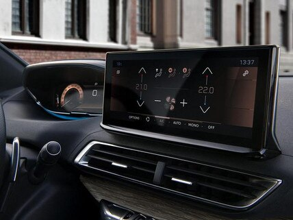 Neuer SUV PEUGEOT 3008 – Touchscreen