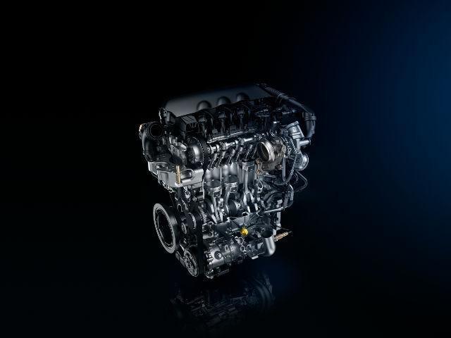Detailansicht auf den Motor des sportlichen Kompaktwagens PEUGEOt 308 GT