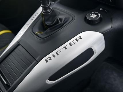 PEUGEOT-Rifter-4x4-Concept-Mittelkonsole