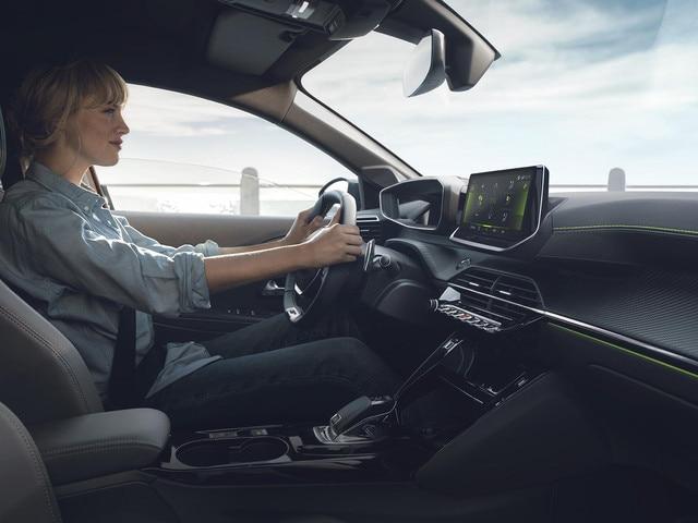 DER NEUE PEUGEOT 208 – Neues EAT8-Automatikgetriebe