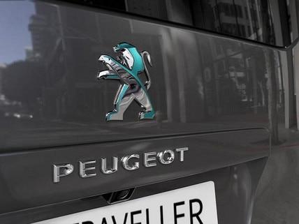 PEUGEOT e-Traveller – Heckansicht-mit-PEUGEOT-Logo