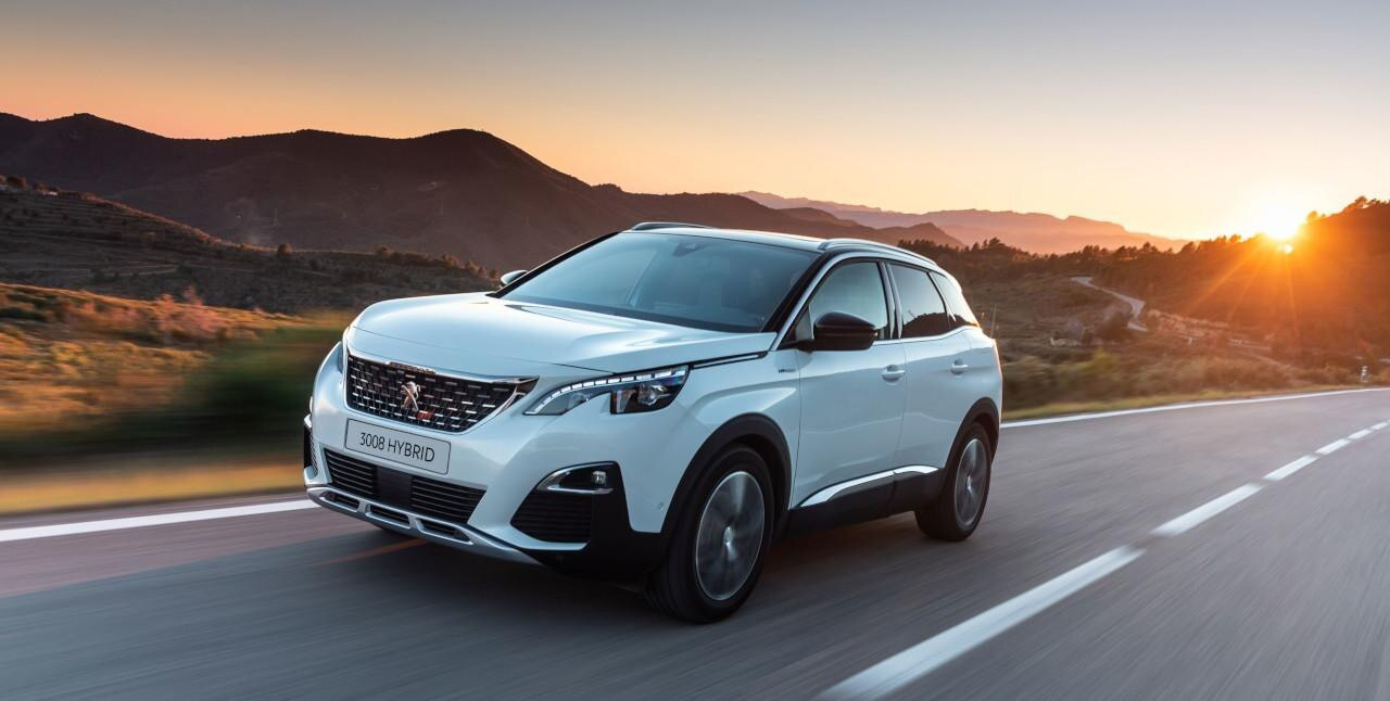 Plug-In Hybrid PEUGEOT SUV 3008 mit Frontantrieb