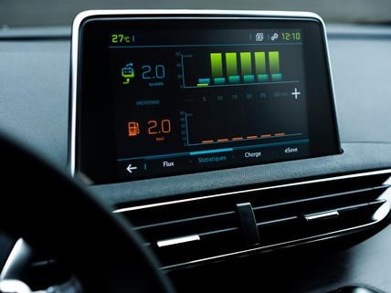 PEUGEOT 3008 HYBRID4 – HD Touch Screen