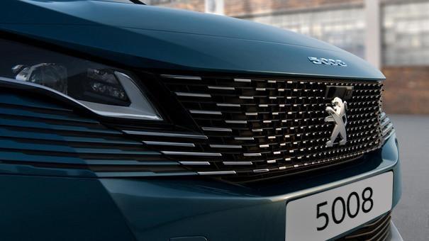 Neuer SUV PEUGEOT 5008 – Neuer rahmenloser Kuehlergrill
