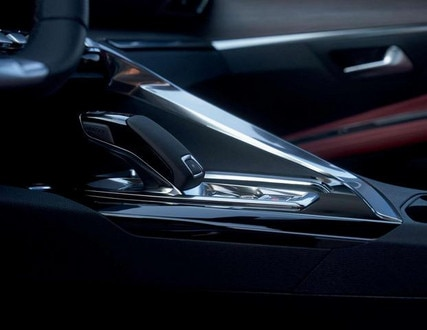Neuer grosser SUV PEUGEOT 5008 – Automatikgetriebe EAT8