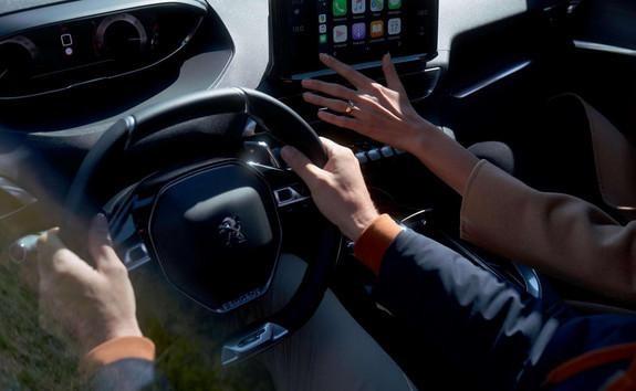 Neuer SUV PEUGEOT 5008 – modernisiertes PEUGEOT iCockpit®
