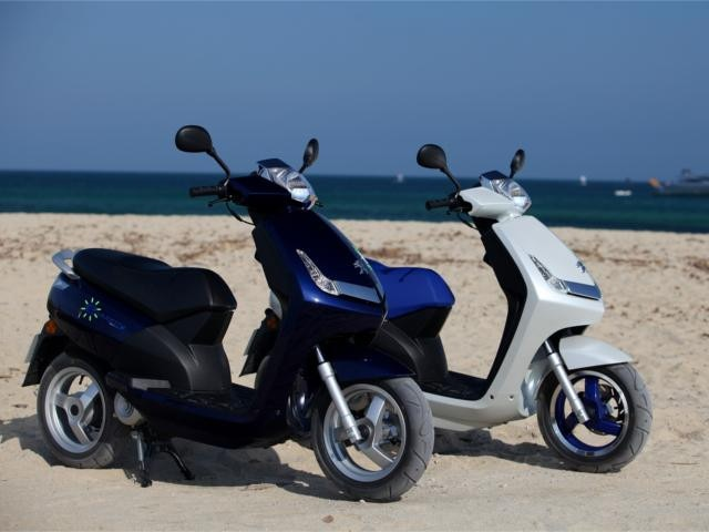 PEUGEOT-Elektro-Scooter