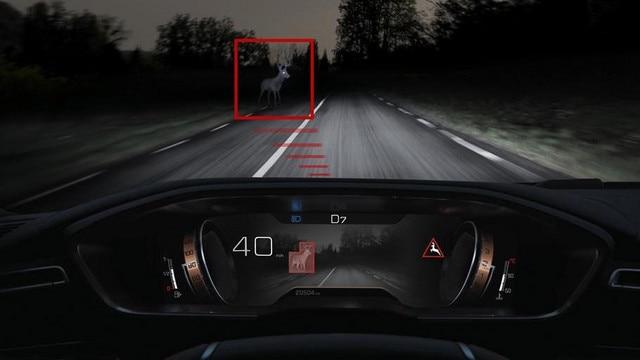 > Neue Limousine PEUGEOT 508 GT, Night-Vision-Technologie fur eine bessere Sicht bei Nacht