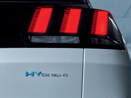 SUV PEUGEOT 3008 HYBRID4 Hybrid Schriftzug