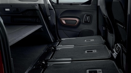 Der neue PEUGEOT RIFTER – 3 Einzelsitze hinten umgeklappt