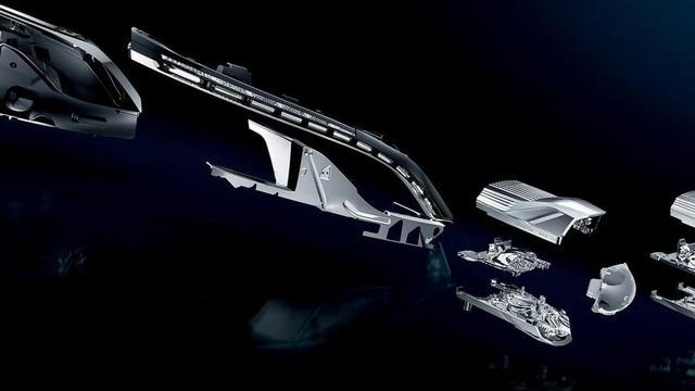 Detailansicht der einzelnen Bauteile der Frontscheinwerfer im SUV PEUGEOT 3008