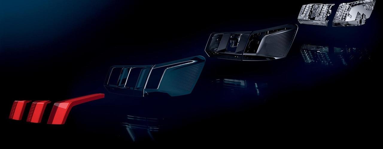 Blick auf die einzelnen Bauteile der Rückleuchten im SUV PEUGEOT 3008