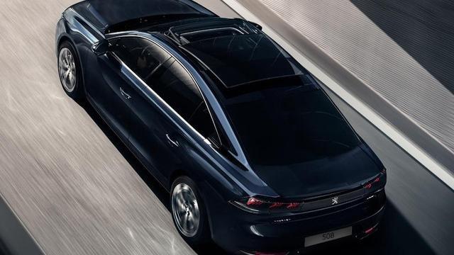 Neue PEUGEOT 508 ALLURE Limousine, Panorama-Schiebedach mit großem Dachausschnit