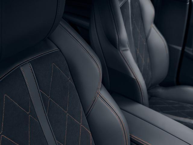 Neue PEUGEOT 508 Limousine, AGR-zertifizierte Schalensitze für Fahrer und Beifahrer