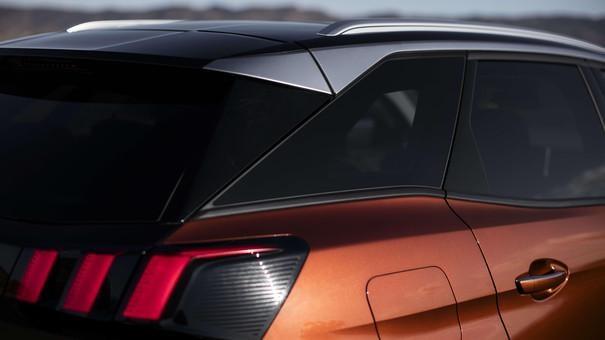 Compact-SUV-PEUGEOT-3008-Black-Diamond-Dach