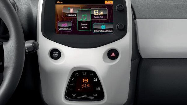 PEUGEOT 108 Style Touchscreen