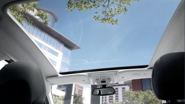 PEUGEOT-SUV-2008-Style-Panorama-Glasdach