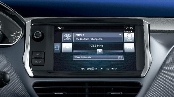PEUGEOT-SUV-2008-Style-Touchscreen