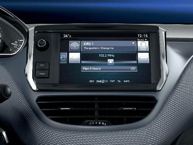 PEUGEOT-2008-Style-Touchscreen