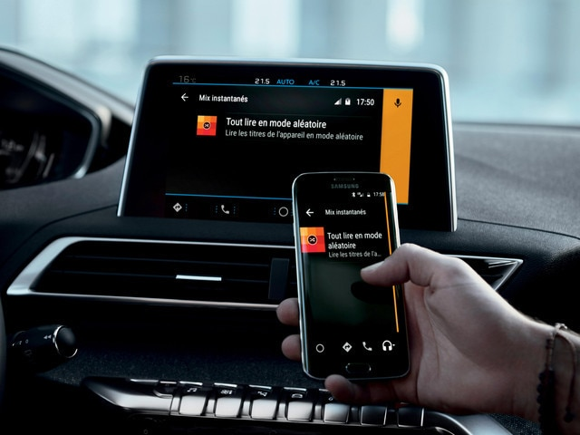 PEUGEOT-5008-Family-SUV-Konnektivitaet-Mirror-Screen-Funktion