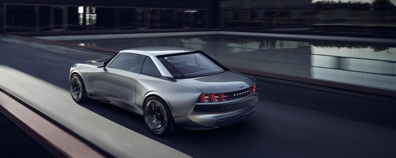 PEUGEOT-Concept-Car-e-Legend-Aussendesign-Leuchtsignatur