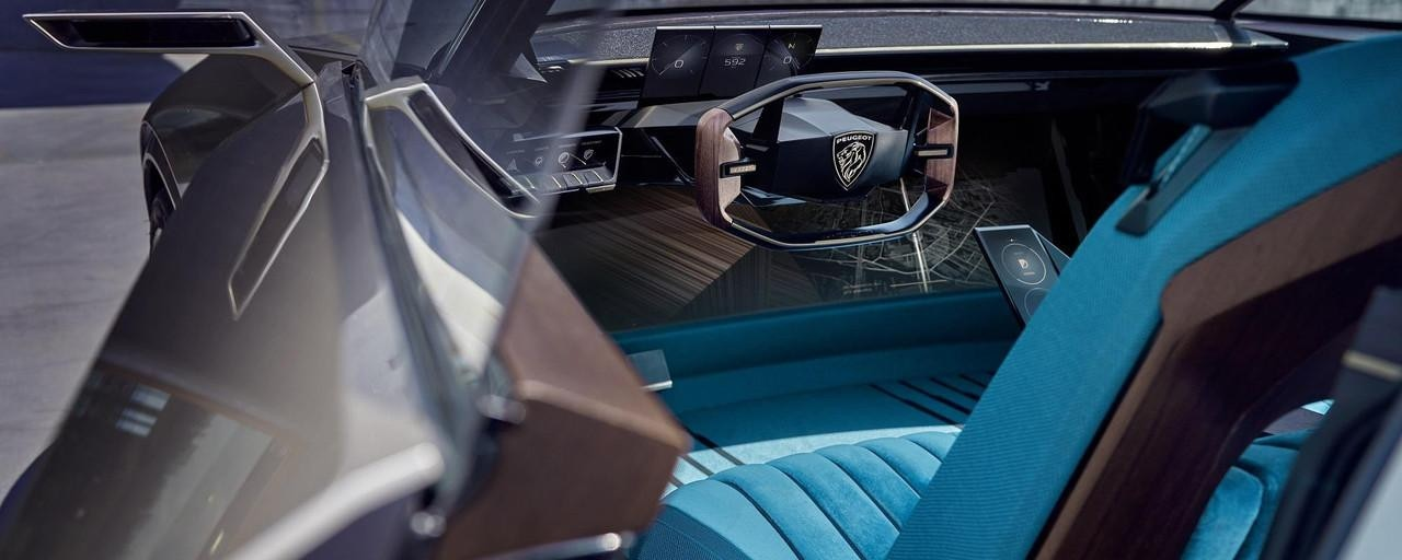 PEUGEOT-Concept-Car-e-Legend-Innendesign-i-Cockpit®