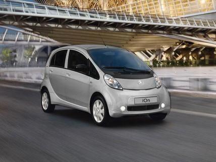 PEUGEOT-iOn-Elektroauto