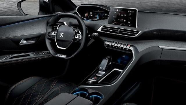 PEUGEOT-3008-Digitales-Kombiinstrument