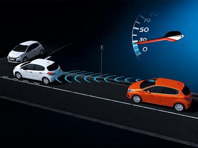 Tech-Edition-PEUGEOT-208-Active-City-Brake