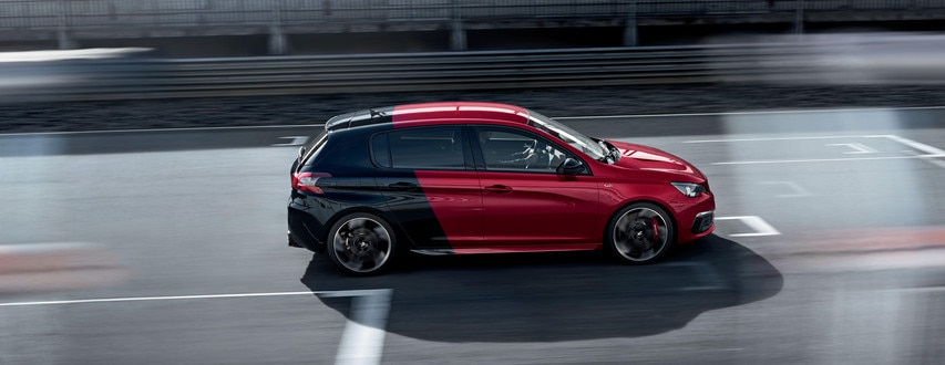 PEUGEOT 308 GTi rot Coupe Franche sportliches Design Seitenansicht