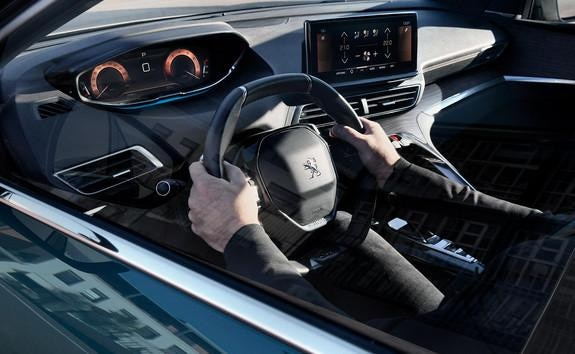 Neuer SUV PEUGEOT 5008 – Innenraum – HD-Touchscreen