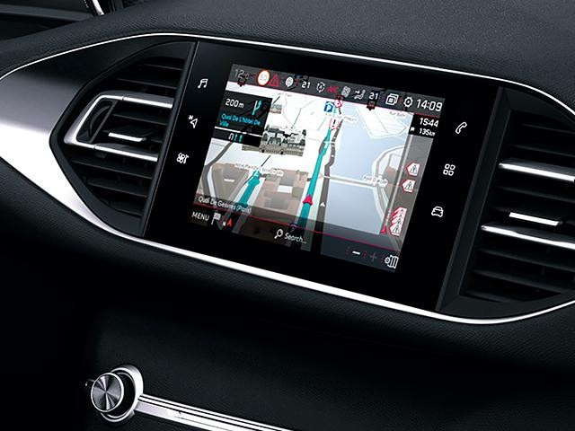 Tech-Edition-PEUGEOT-308-TomTom-Echtzeit-Navigation