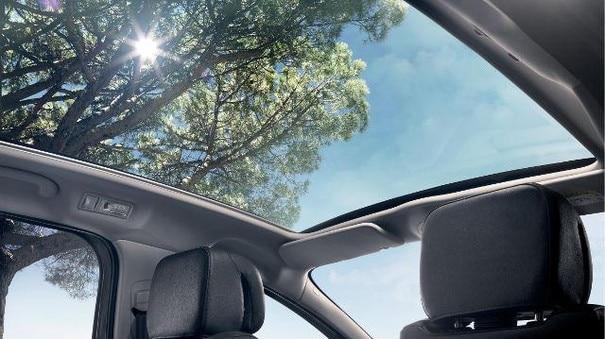 Panorama-Glasdach Kompaktvan PEUGEOT 5008